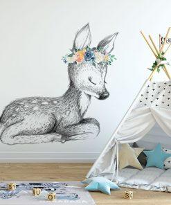 Tapeta na ścianę z motywem sarny i kwiatów