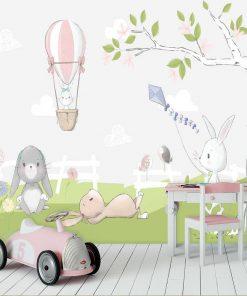 r贸偶owy balonik na fototapecie z kr贸liczkami do pokoju niemowlaka